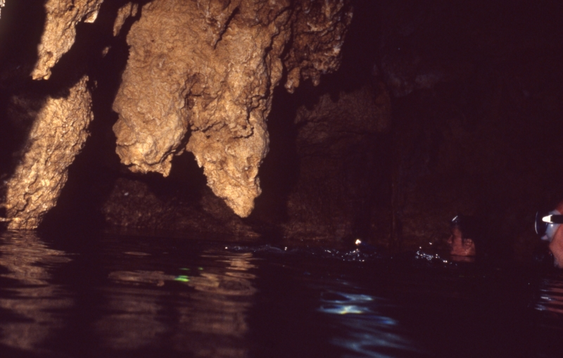 Divers in Chandelier Cave-Palau