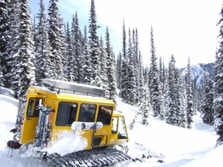 Selkirk Wilderness Skiing snow-cat (dig)