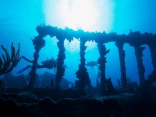 RMS Rhone Roman columns 2 (dig)-BVI
